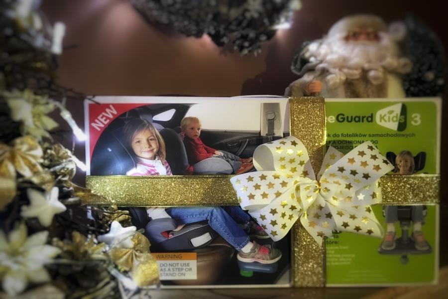 prezent-na-mikolaja-podnozek-samochodowy-kneeguardkids