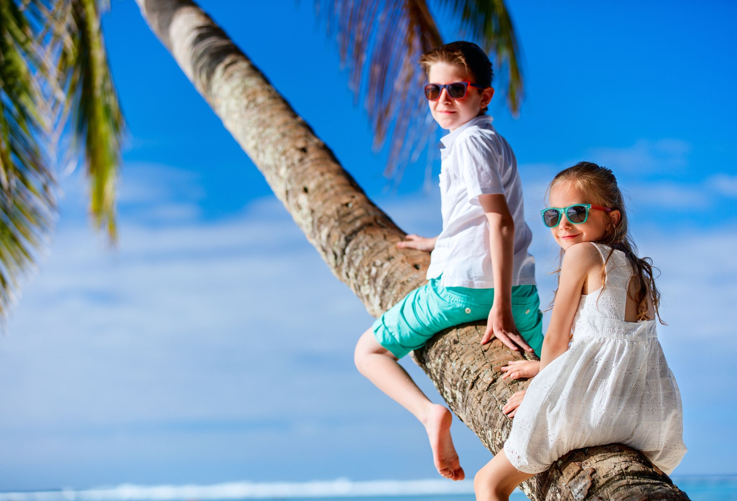 Wakacje za granicą — jak zaplanować podróż samochodem z dzieckiem